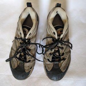 Merrell Women's hiking shoes sz 9